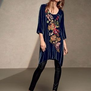 JWLA Johnny Was Michelle Embroidered Velvet Tunic